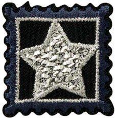 Stern im Viereck